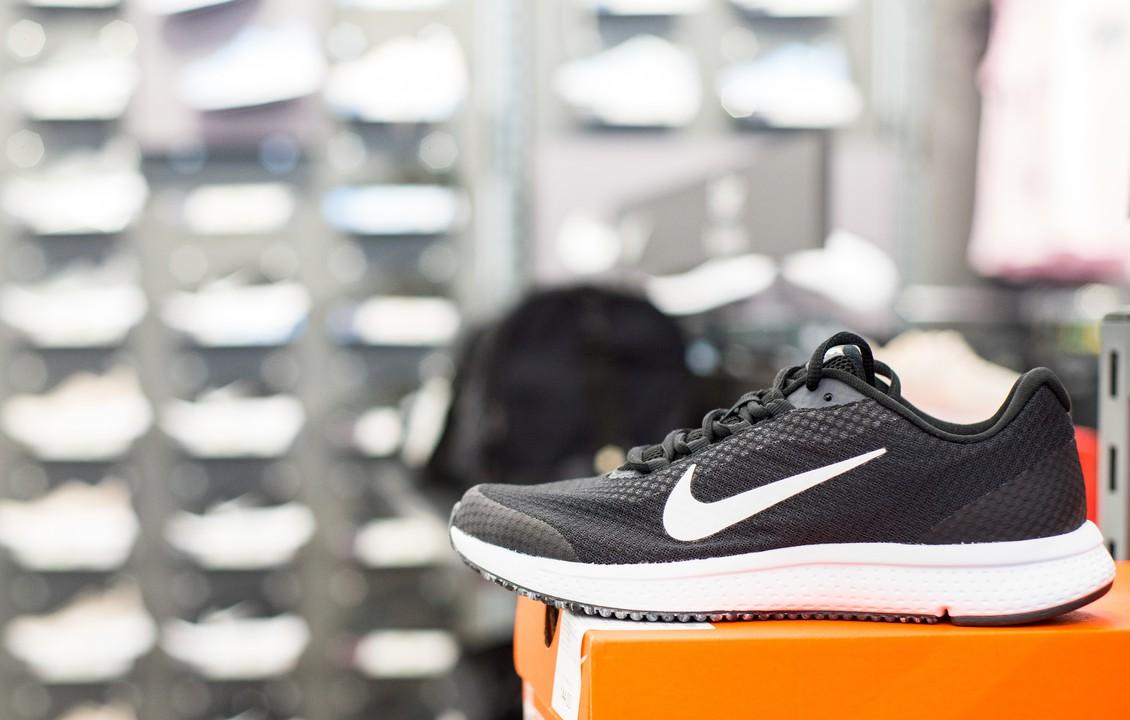 Nike ショップ